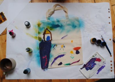 kreativní činnost - malován tašky
